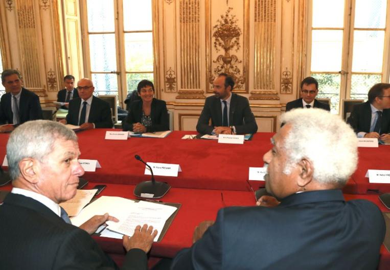 Nouvelle-Calédonie: le groupe de travail G10 se reconstitue après les réunions à Matignon