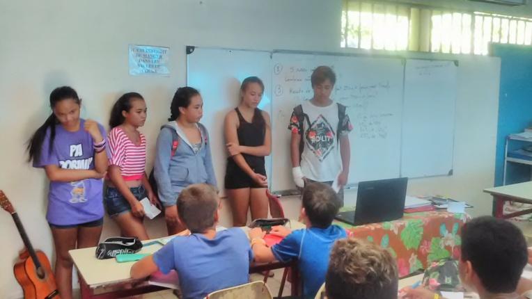 """Les éco-délégués ont présenté le projet avec les """"roulottiers""""."""
