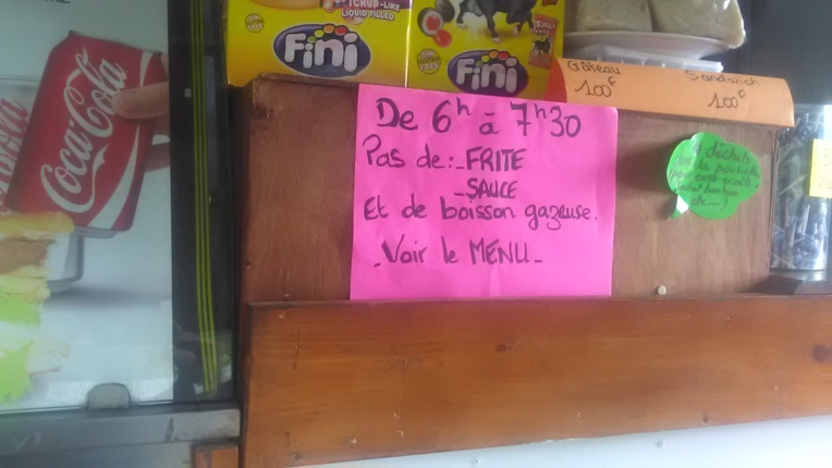 """Collège de Moorea : """"Journée sans frite mon corps le mérite"""""""