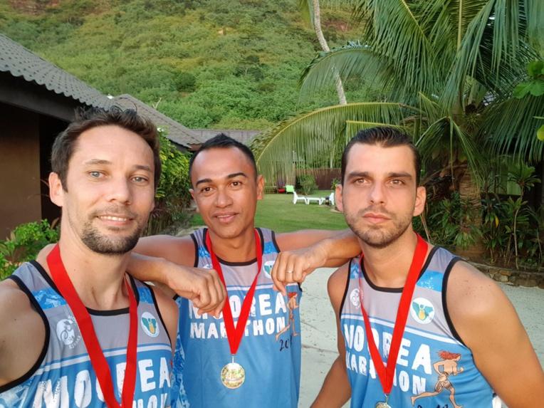 Dan Pihaatae (ATN), au centre, a fait le 21 km