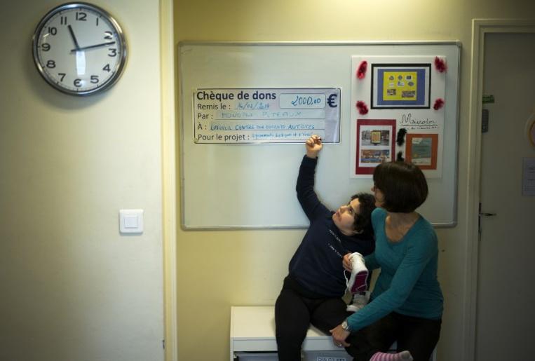 Comment s'occuper d'un enfant autiste? Des vidéos qui dédramatisent