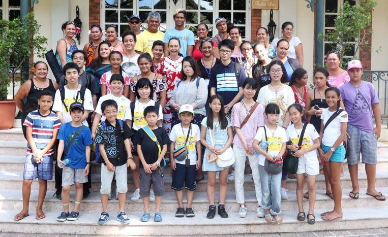 Des enfants japonais en visite à la présidence