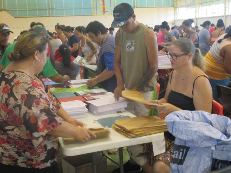 Le haut-commissariat a de nouveau confié l'étiquetage des enveloppes aux Ateliers pour la réinsertion professionnelle des personnes handicapées (APRP).