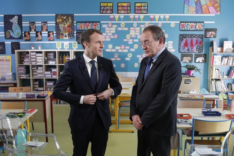 """Macron """"entend les inquiétudes"""" mais va continuer à réformer """"avec la même force"""""""