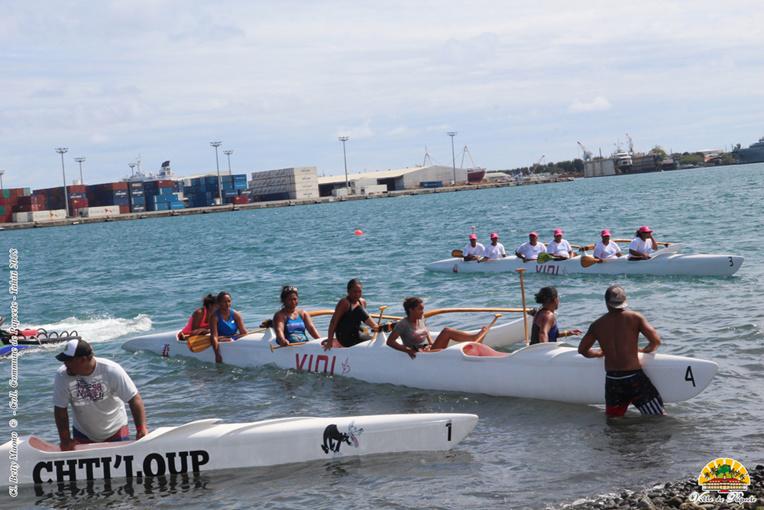Près d'une trentaine d'équipages (18 hommes et 8 femmes) étaient inscrits pour l'événement, soit plus d'une centaine de rameurs et rameuses issus des quartiers de la capitale.