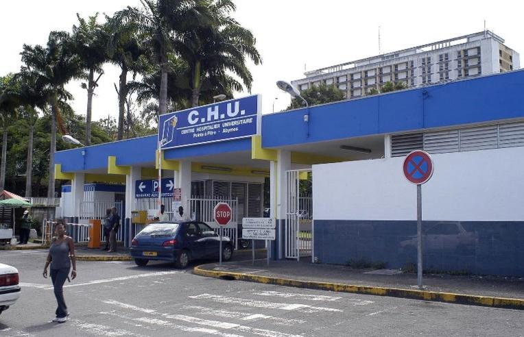 """Après l'incendie de son CHU, la Guadeloupe face à une """"situation exceptionnelle"""""""