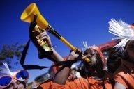 """Mondial 2010 : les vuvuzelas, """"dangereux"""" voire """"catastrophiques"""" pour l'oreille"""