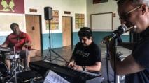 Jazz à Taravao avec Otmaro :  des étoiles dans les yeux de 300 collégiens