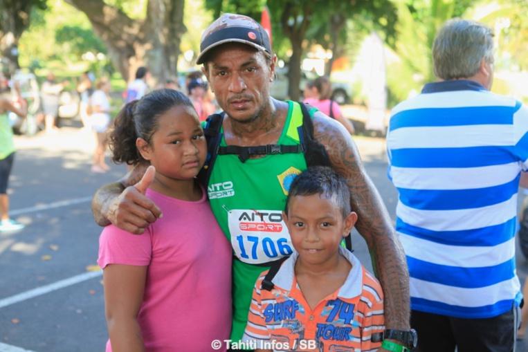 Ervin Avaemai et ses enfants