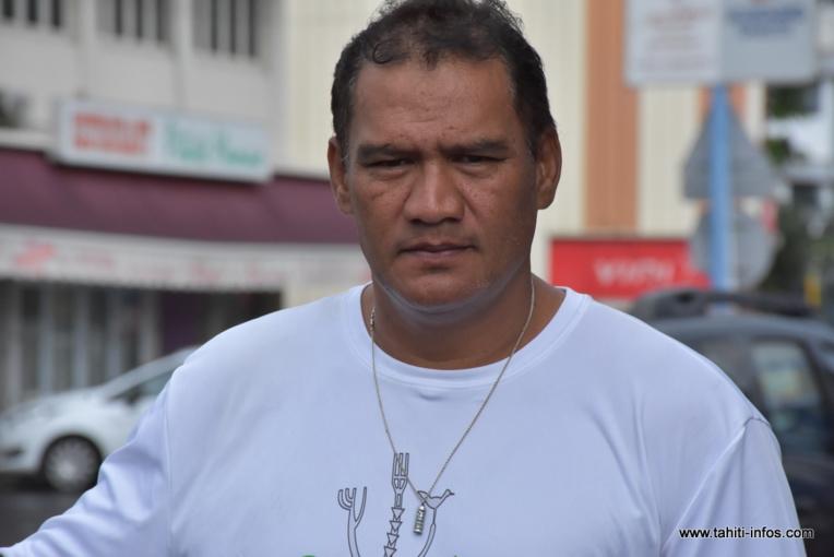"""""""Je pense que nous allons laisser libre choix à nos électeurs"""", déclare Tauhiti Nena en vue du second tour."""