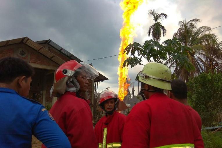 Indonésie: au moins 18 morts dans l'incendie d'un puits de pétrole illégal