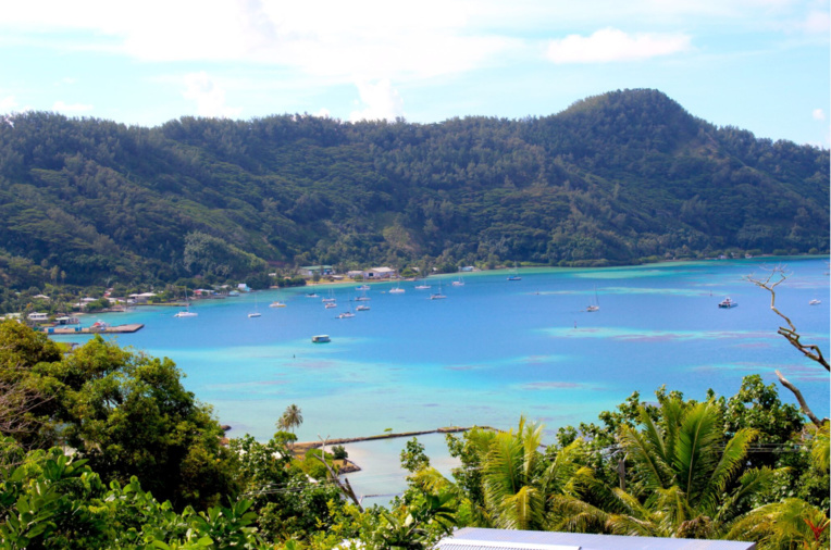 Une vue de la baie de Rikitea depuis la pension Chez Bianca et Benoît.