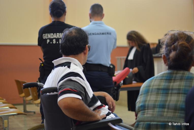 Les parents de Tamatoa étaient effondrés lors du procès. La schizophrénie de leur fils est apparue à ses 18 ans, et son état ne fait qu'empirer depuis sous l'emprise de l'alcool et du paka.