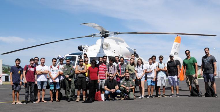 Ce samedi 28 avril, en zone nord de l'aéroport de Tahiti Faa'a à C3P, ils étaient une cinquantaine de pilotes privés et élèves pilotes à avoir répondu positivement à l'invitation de la 35F pour suivre une matinée d'information et de sensibilisation sur la survie en mer. (© C.Flipo)