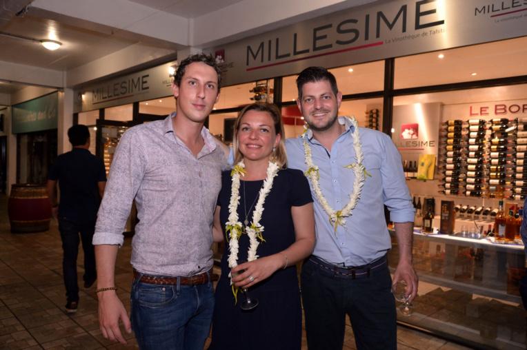 Art et vin pour un  « Verre-Nissage » Plazza Haute du Centre Vaima
