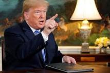 Trump attaque les médias, suggère de retirer des accréditations