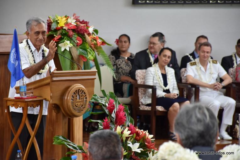 Le leader souverainiste Oscar Temaru, vendredi matin dans l'hémicycle de Tarahoi, lors de son allocution de candidature à la Présidence de la Polynésie française.