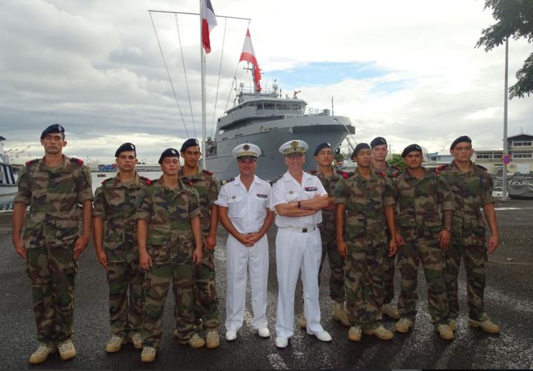 Pendant plus de 6 semaines, les neuf fusiliers marins ont reçu à Tahiti une formation identique à celle enseignée à l'école des fusiliers marins de Lorient. crédits FAPF
