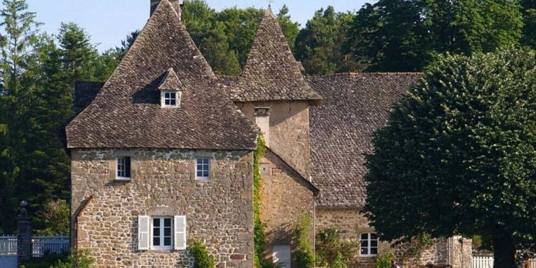 Un château en Corrèze pour un peu plus de 11 euros et la bonne(...)