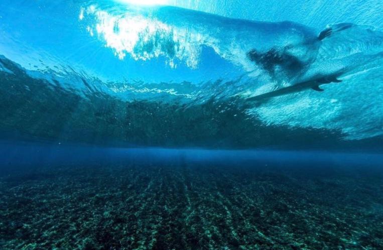 Les récifs permettent à nos vagues d'être aussi belles © Kirvan Baldassari