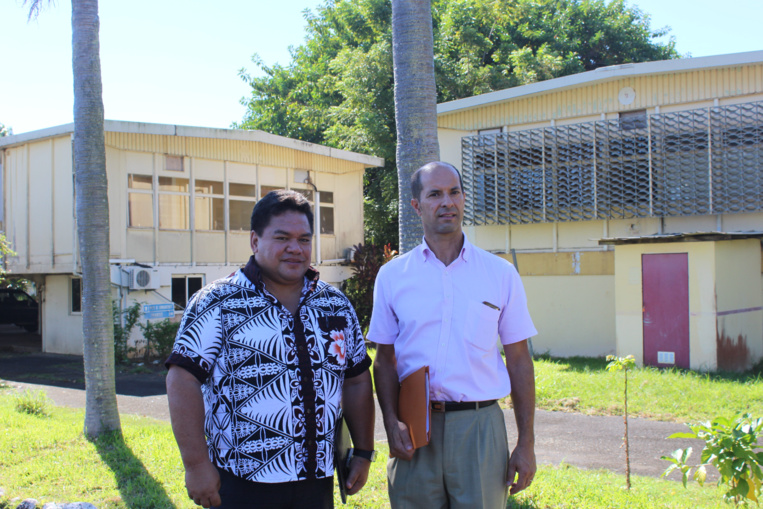 Teuira Damas, tāvana de Mahina et Raymond Yeddou, administrateur des îles du Vent et des îles Sous-le-Vent au Haut-commissariat de la République.