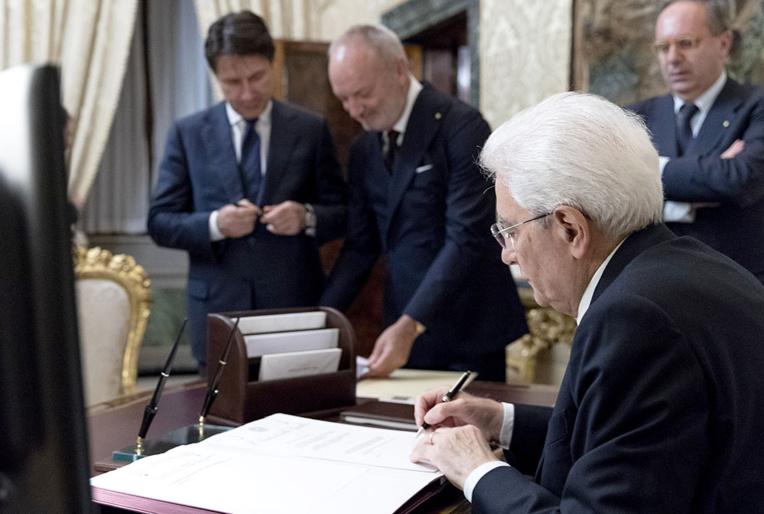 Les populistes s'installent au pouvoir en Italie