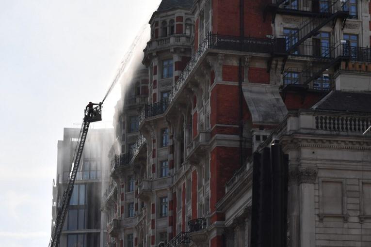 Incendie dans un hôtel cinq étoiles proche de Harrods à Londres