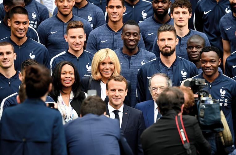 """Brigitte Macron au coeur d'""""un roman français"""" sur France 3"""