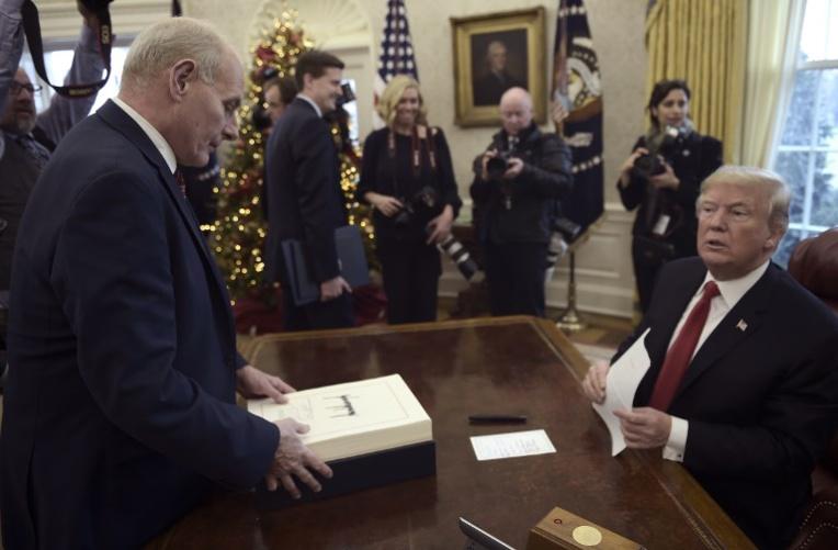 La manie de Trump de déchirer ses documents, un cauchemar pour les archivistes