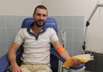 Samuel est donneur régulier en plasma. Il vient environ toutes les quatre à six semaines au Centre de transfusion sanguine.