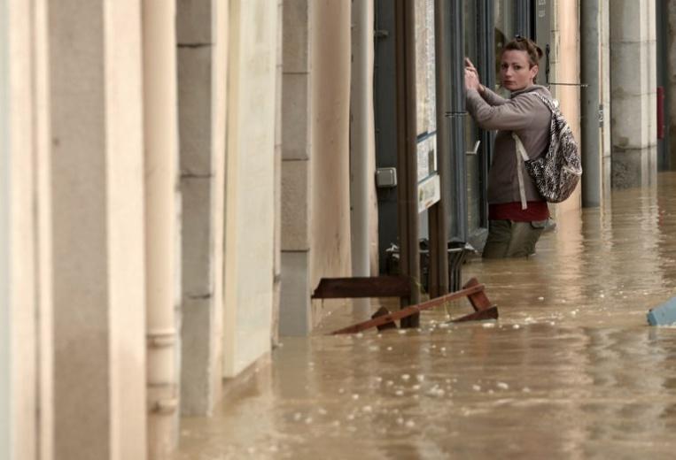 Inondations dans l'Ouest: le Béarn sous l'eau