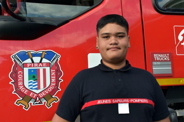 """Ariihau Aora, 14 ans, """"je veux devenir sapeur-pompier professionnel"""""""