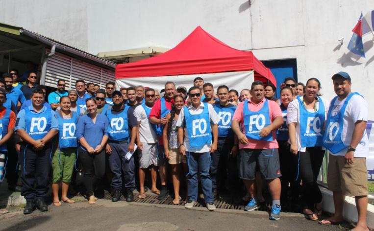 Le syndicat Force Ouvrière pénitentiaire de Polynésie s'est réuni devant Nuutania.