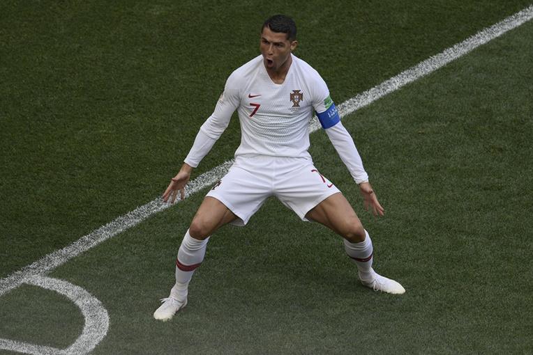 Ronaldo porte encore son Portugal et élimine le Maroc