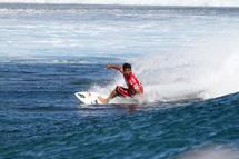 Le tahitien Michel Bourez, QUALIFIE pour le round 3! Image Credit: © ASP/ Roberston Photographer: Steve Robertson