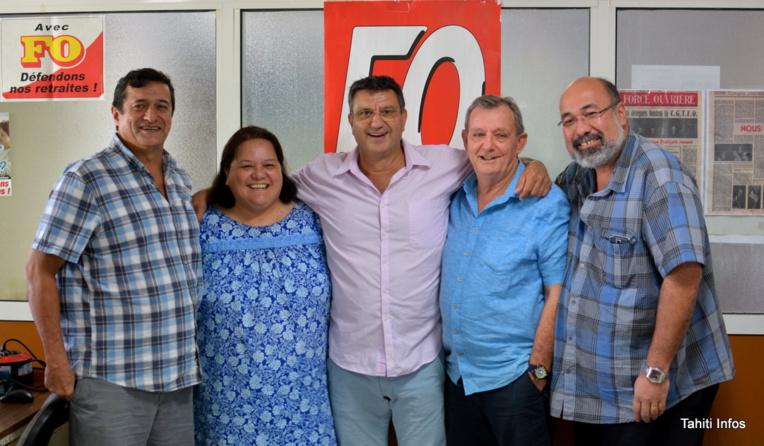 """Patrick Galenon, Artemis Teahua, Patrick Dauly, Robert Schoen et Edgard Sommers, tous les """"camarades FO"""" mobilisés sur les dossiers concernant les salariés de l'État en Polynésie."""