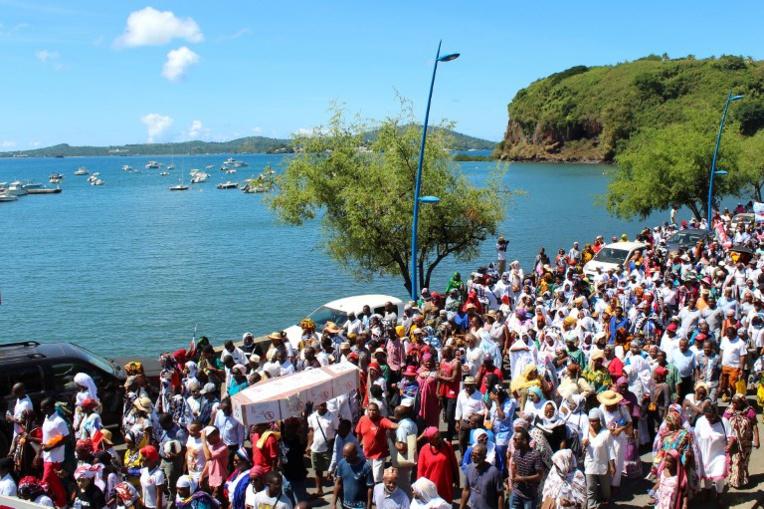 Les sénateurs instaurent une limitation au droit du sol à Mayotte