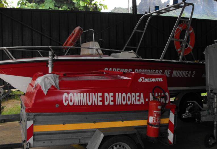 Les pomiers de Moorea sont intervenus pour transporter la victime. Elle a été evasanée vers le CHPF