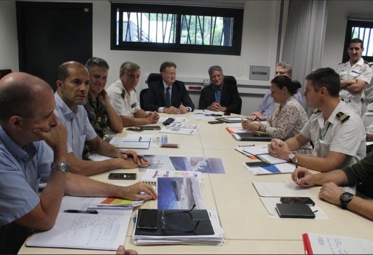 Une réunion sur l'échouement du cargo s'est tenue lundi 25 juin au COMSUP à Arue.