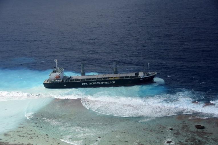 Un cargo de 132 mètres de long s'est échoué, à la pointe nord-est de l'atoll de Raroia dans l'archipel des Tuamotu.