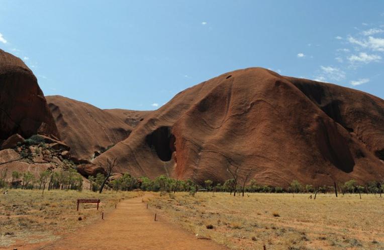 Décès d'un touriste japonais sur Uluru, le plus célèbre rocher d'Australie