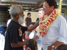 Heizik, qui incarne son propre père  dans le rôle  remercie chaleureusement Gomes pour sa visite et son soutien