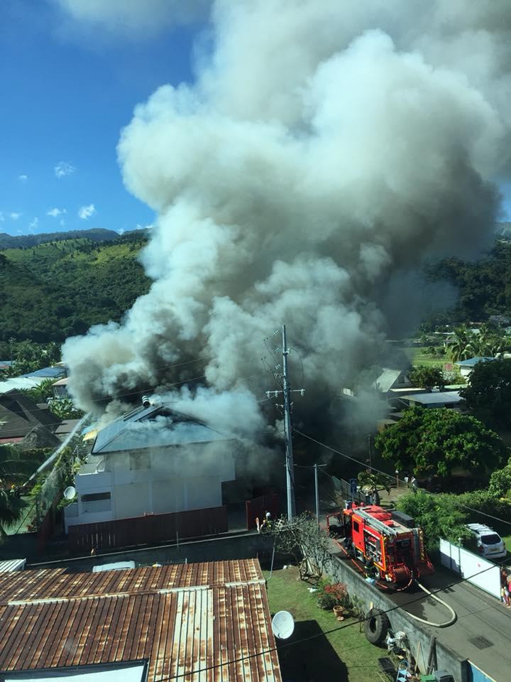 Quatre appartements brûlent lors d'un incendie à Punaauia