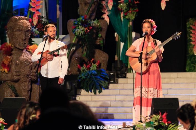 Vaiteani et Luc lors de la soirée Miss Tahiti