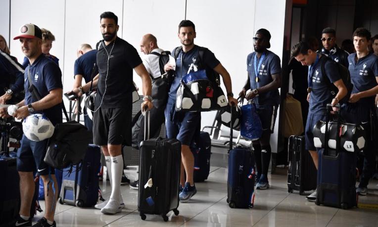 Mondial-2018: les Bleus en route, la France attend ses héros