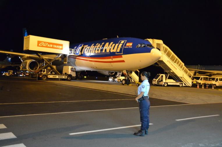 Tous passagers confondus, à destination de Tahiti, Air Tahiti Nui détient les deux tiers (65,5 %) des parts sur le marché du transport aérien transocéanique en Polynésie française, loin devant Air France (13.6 %).
