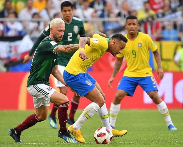 Neymar joue l'auto-dérision avec des enfants sur les réseaux sociaux
