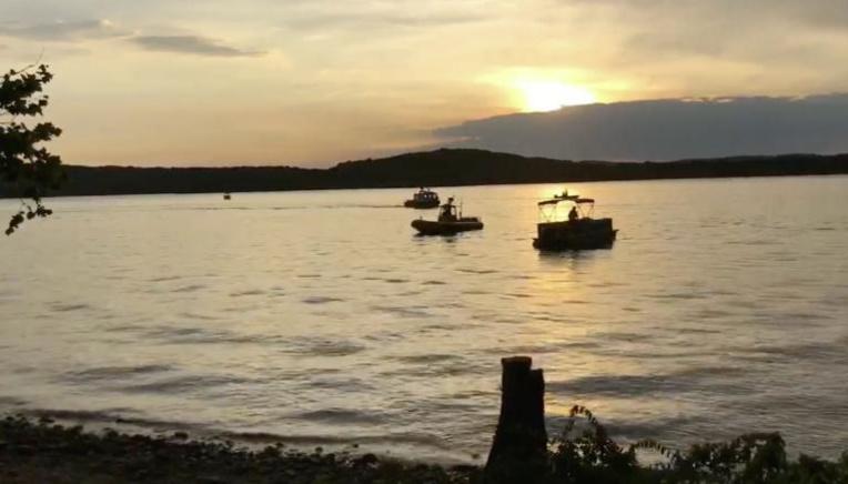 Etats-Unis: un naufrage fait au moins 11 morts sur un lac du Missouri