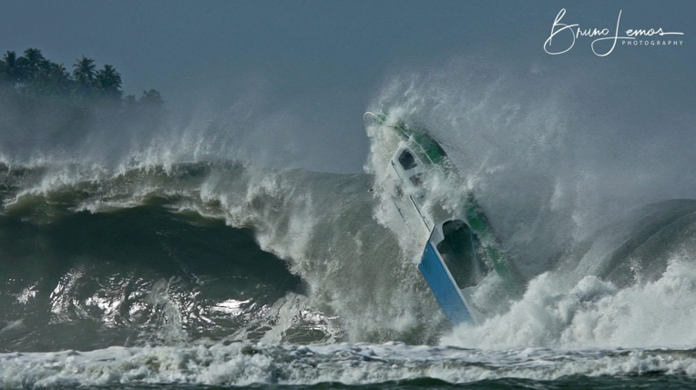 Surf -  Indonésie : Le surf trip tourne au cauchemar MAJ