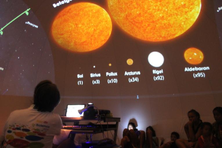 Proscience à la recherche de 10 animateurs de planétarium